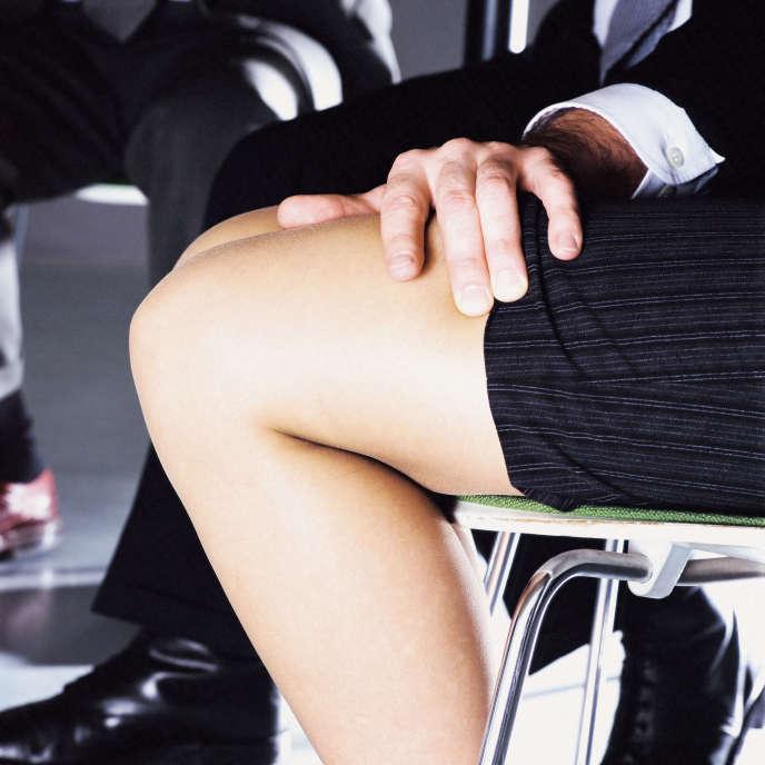 « 60 % des Européennes ont déjà été victimes de sexisme ou de harcèlement au travail au cours de leur vie professionnel ; 30 % des Françaises ont déjà été harcelées ou agressées.»