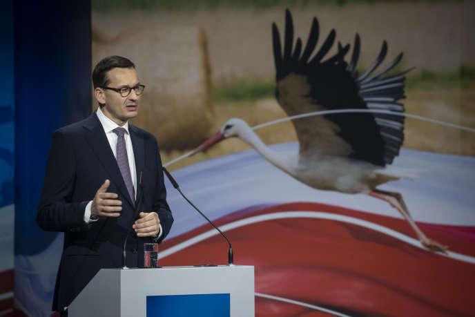 Le premier ministre polonais, Mateusz Morawiecki, durant une convention du parti Droit et Justice, à Kielce (centre-est du pays), le 9 octobre.