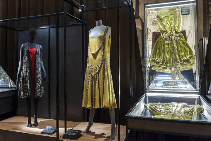 Robe Lesbos de Lanvin (1925), dans la grandegalerie du Palais Galliera pour l'exposition Jeanne Lanvin, 8 mars au 23 août 2015.