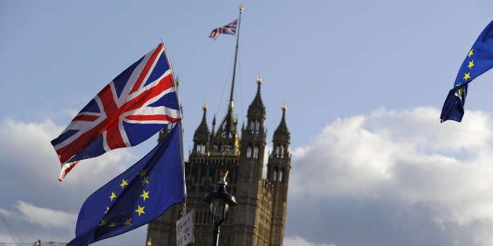 Brexit : malgré la demande d'un nouveau report, le processus de ratification de l'accord continue à Bruxelles