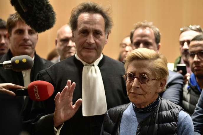 Isabelle Balkany, maire par intérim deLevallois-Perret, répond aux journalistes, autribunal de Paris, le 18 octobre.