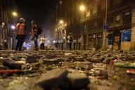 Dans les rues de Barcelone, vendredi 18 octobre dans la soirée.