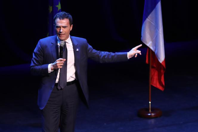 Sandro Gozi pendant la campagne pour les élections européennes, à Paris, le 6 mai 2019.