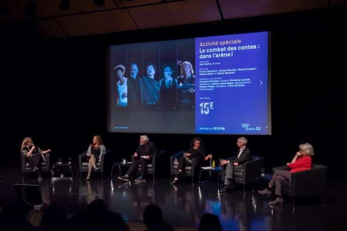 De gauche à droite : Chrystine Brouillet, Evelyne Daigle, Jean Barbe, Eve Christian, Robert Lamontagne et Micheline Lanctôt, lors du débat dans le cadre du Combat des contes à la Grande Bibliothèque de Montréal, le 19 octobre 2019.