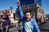 Un manifestant à Valparaiso, au Chili, le 21 octobre.
