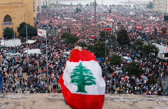 Manifestation contre le gouvernement, à Beyrouth, dimanche 20 octobre.
