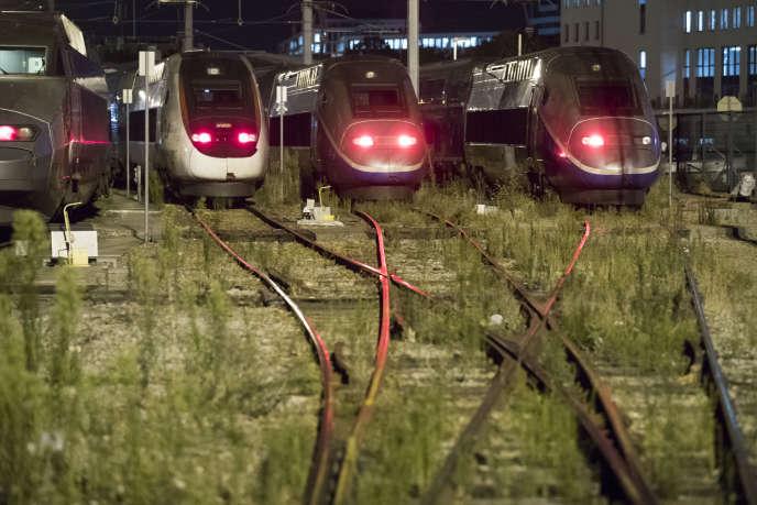 L'arrêt du travail a provoqué des perturbations sur une large partie du réseau français, vendredi 18 octobre.