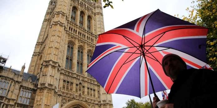 Brexit : le Parlement britannique ne votera pas l'accord ce lundi