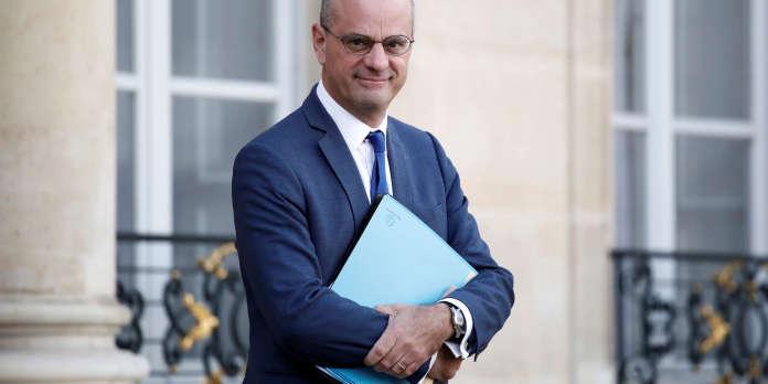 Foulard islamique : à quoi joue Jean-Michel Blanquer ?