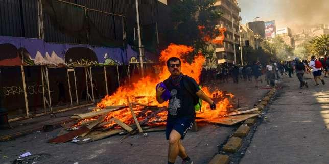 Au Chili, Santiago sous couvre-feu pour la troisième nuit consécutive