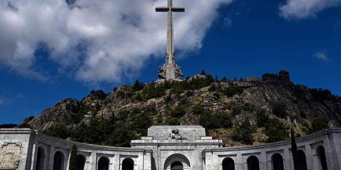La dépouille du général Franco va être exhumée jeudi près de Madrid