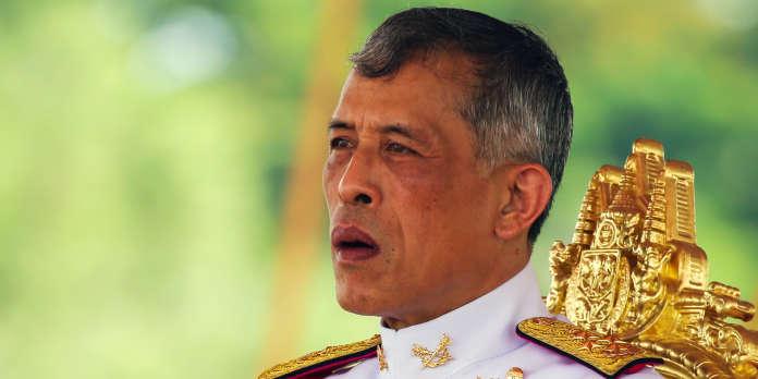 En Thaïlande, le monarque répudie sa royale concubine