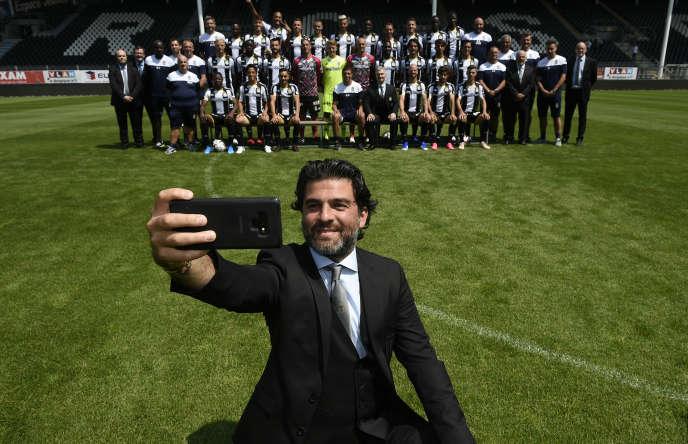 Medhi Bayat (ici à Charleroi le 17 juillet 2019), administrateur du Sporting Charleroi et frère de l'agent controversé Mogi Bayat, est le nouveau président du foot belge depuis juin.