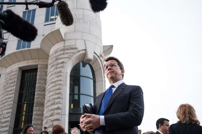 Cuyahoga County (Ohio) and Summit (Utah) lawyer Mark Lanier speaks to the press in Cleveland Court on October 21st.