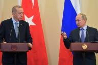 Le président turc, Recep Tayyip Erdogan, et son homologue russe,Vladimir Poutine, lors d'une conférence de presse à Sotchi, mardi 22 octobre.