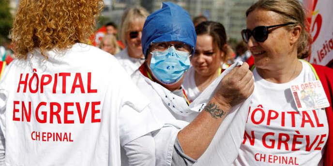 Manifestation des personnels hospitaliers à Paris, le 11 septembre 2019.