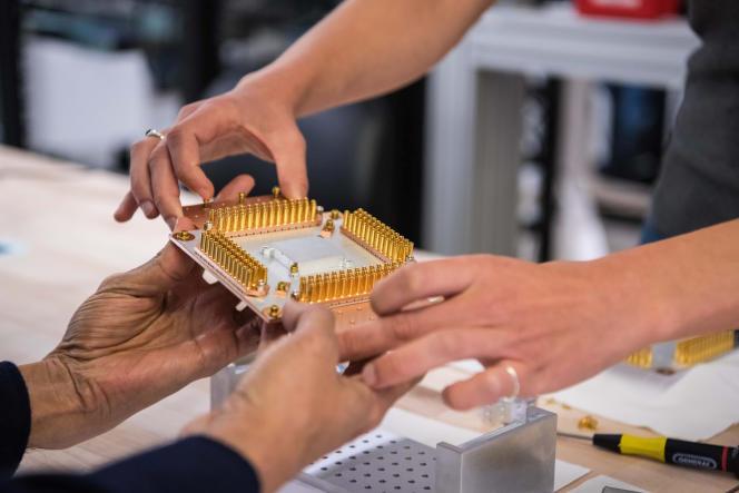 Un composant de l'ordinateur quantique de Google dans le laboratoire de Santa Barbara, en Californie (Etats-Unis)., en 2019.