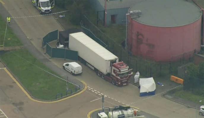 Trente-neuf corps ont été découverts dans un camion dans la nuit de mardi22 à mercredi 23octobre à Grays, dans l'Essex, à l'est de Londres.