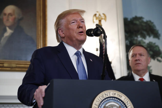 «Le président semble mépriser l'expertise, et peut-être même l'intégrité, des gens de carrière» (Donald Trump et Mike Pompeo, le 23 octobre, à la Maison Blanche).