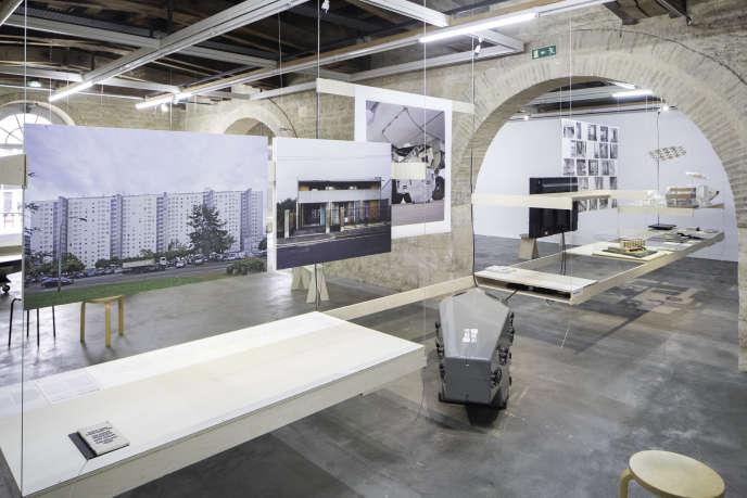 Vue de l'exposition « Inservitude» au centre d'architecture Arc en rêve, Bordeaux.