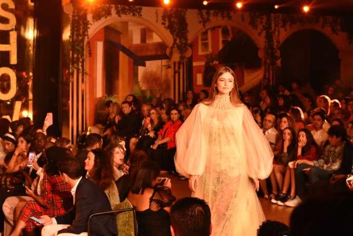 Une création d'Abdelhanine Raouh au Casa Fashion Show, au Maroc, le 12octobre 2019.