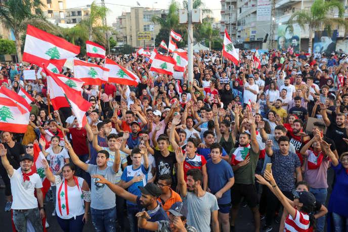 Lors d'unemanifestation antigouvernementale à Tyr, dans le sud du Liban, le 22 octobre.