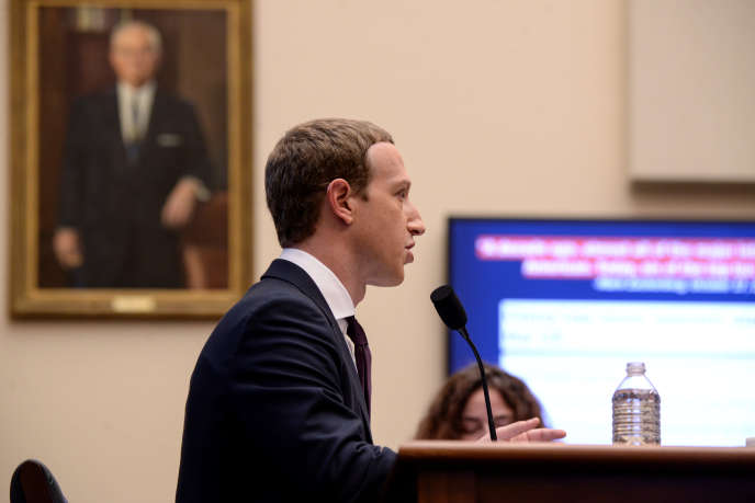 Le PDG de Facebook, Mark Zuckerberg, lors de son audition par le Congrès américain, mercredi 23 octobre, à Washington.
