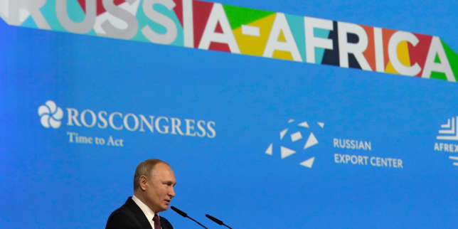A Sotchi, la Russie se pose en défenseure des souverainetés africaines