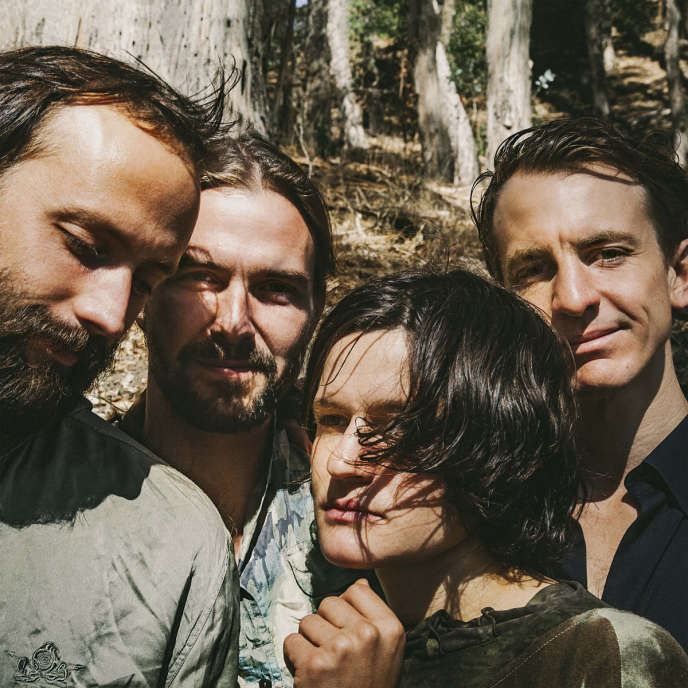 Pochette de l'album « Two Hands » du groupe américain Big Thief.