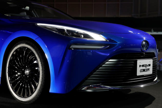 La voiture Toyota Mirai qui roule à l'hydrogène, présentée à Tokyo le 24 octobre 2019.