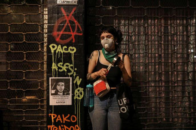 Lors de la manifestation contre les inégalités, à Santiago, le 25 octobre.