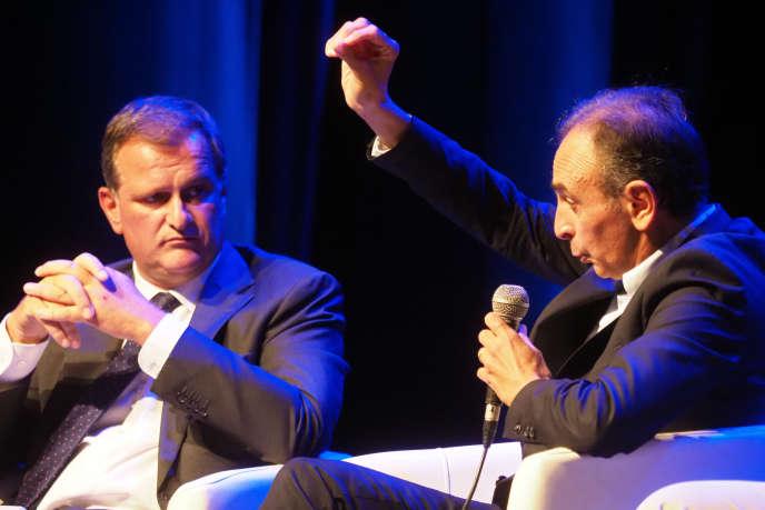 Louis Aliot (à gauche), lors d'un débat avec Eric Zemmour, à Perpignan, le 23 septembre.