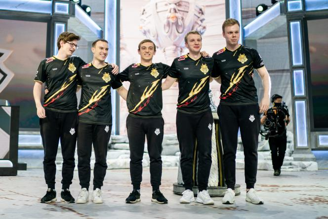 Les cinq membres de l'équipe G2 Esport, meilleure équipe de la saison, seront le dernier espoir de victoire européenne en demi-finales.
