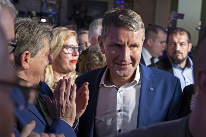 Björn Höcke, le responsable de l'AfD en Thuringe, célèbre la deuxième place de son parti après un scrutin régional, le le 27 octobre à Erfurt.