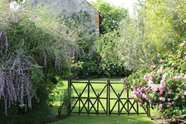 Les plessis donnent aux jardins de Roquelin, àMeung-sur-Loire, une élégance rare.