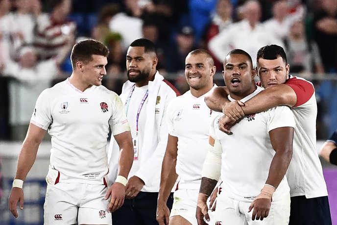 Rugby Les joueurs anglais célèbrent leur victoire contre les All Blacks, le 26 octobre 2019 à Yokohama.