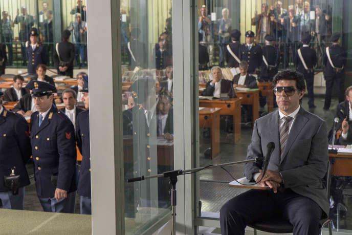 Pierfrancesco Favino (à droite) interprète le mafieux Tommaso Buscetta dans« Le Traître», film italien de Marco Bellocchio.