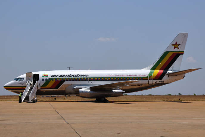 Un avion d'Air Zimbabwe à Blantyre, au Malawi, en octobre 2010.