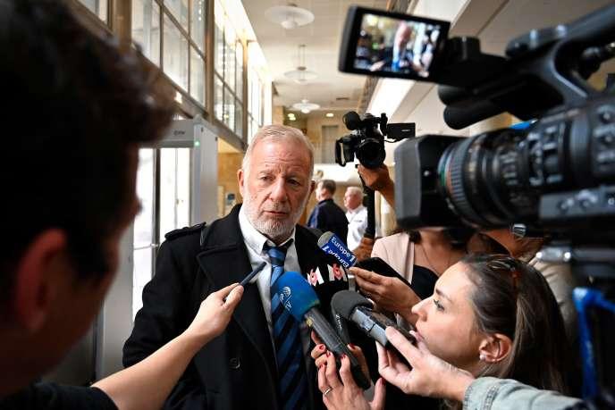 L'avocat de Claude Chossat, Edouard Martial, à la cour d'assises des Bouches-du-Rhône à Aix-en-Provence, le 28 octobre.
