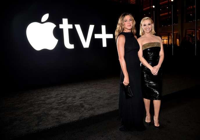 Jennifer Aniston et Reese Witherspoon, stars de la série «The Morning Show» de la nouvelle plateforme Apple TV+.