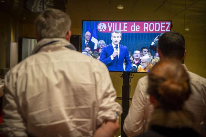 Emmanuel Macronlors dudébat sur les retraites à Rodez (Aveyron), le 3 octobre.