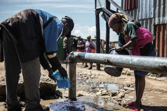 Dans le bidonville de Zandspruit, à Johannesburg, en mars 2015.
