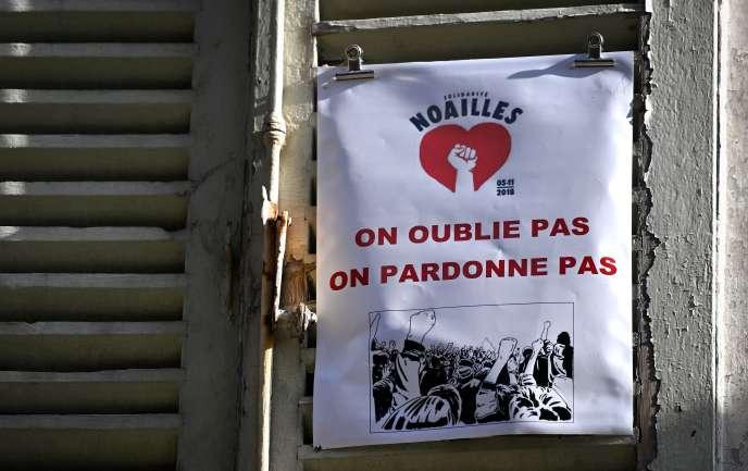 Une affiche de Noailles Solidarité placardée sur un volet de la rue d'Aubagne,le25octobre 2019.