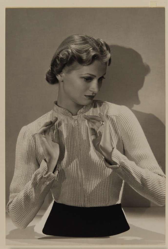 Buste coupé pour«Harper's Bazaar», 1936.