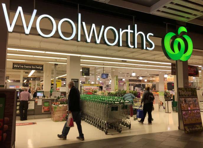 L'entrée d'un supermarché Woolworths à Sydney.