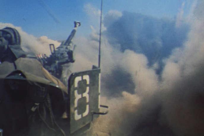 Image de la guerre d'Afghanistan. Soldats russes et combattants afghans, armés par les Américains, s'affrontent.