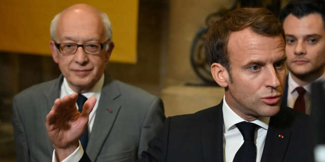 Un mois après l'incendie de Lubrizol, Emmanuel Macron fait face aux critiques à Rouen
