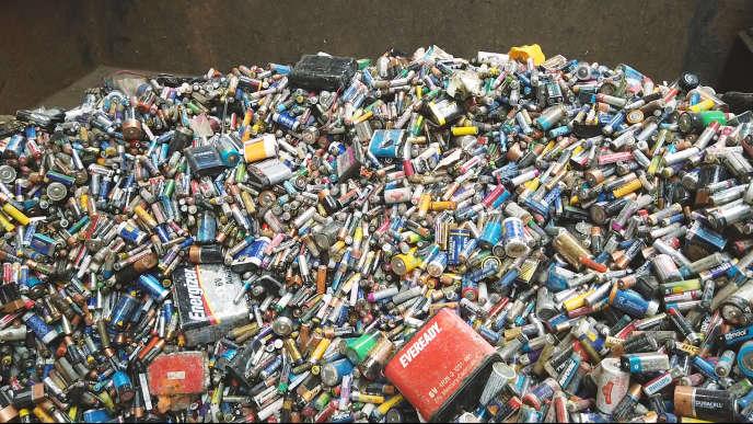 En 2008, l'UE s'était fixé comme objectif de recycler la moitié des déchets ménagers à l'horizon 2020. Le point à l'occasion de la semaine de la réduction des déchets.