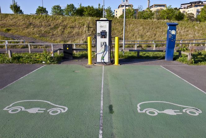 Borne de recharge pour voiture électrique, à Glasgow (Ecosse).