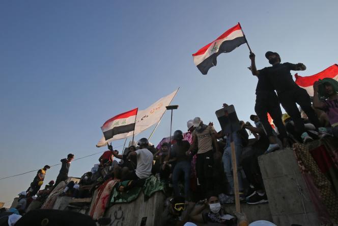 Des manifestants antigouvernement à Bagdad, le 1er novembre.